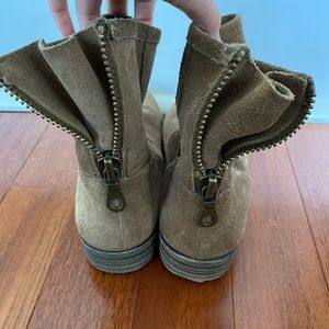 Tan Suede Back Zip Booties Size 7.5